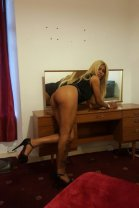 Abby - female escort in Dundee